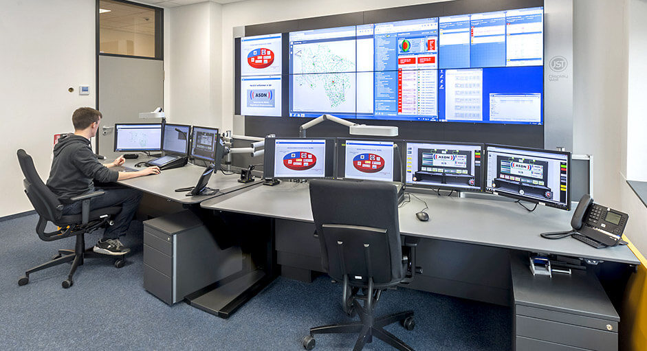 JST-Architektengerechte Planung. Technische Konzeption der Polizei-Leitstelle