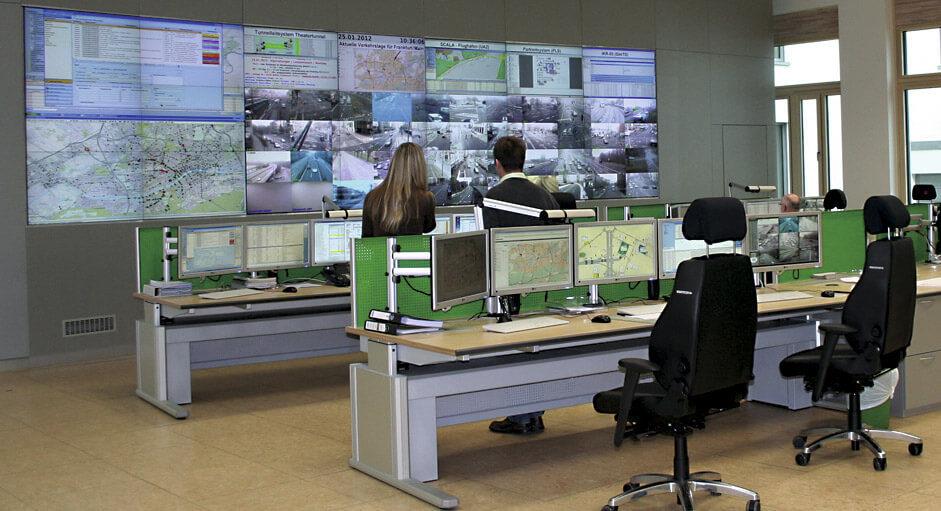 Cube-Großbildsystem im Betrieb der Verkehrsleitstelle Frankfurt
