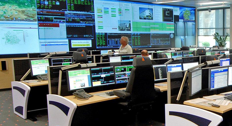 Grafik-Controller im Betrieb im IT-Leitstand der Fiducia