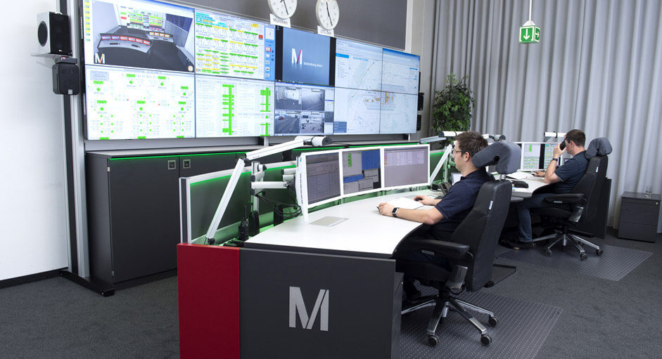The CommandBox in use in the technical control room at the Munich Airport