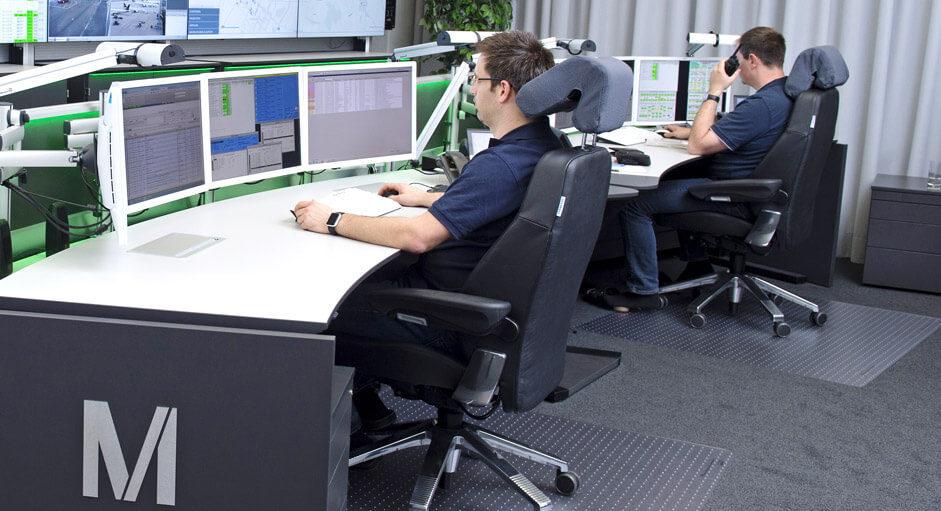 Der Recaro24-Operatorstuhl im Einsatz in einer Technik-Leitwarte