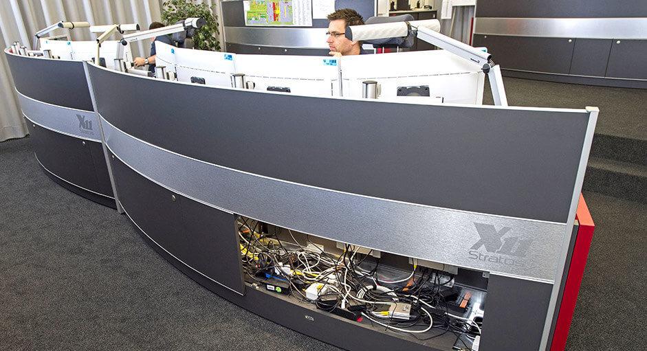 Leitwarten-Tisch StratosX11 im Einsatz beim Flughafen München