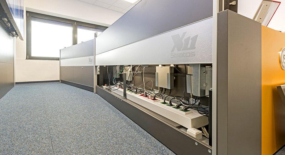 ZPD-ASDN: Leitstandtisch mit Versorgungsraum, offen