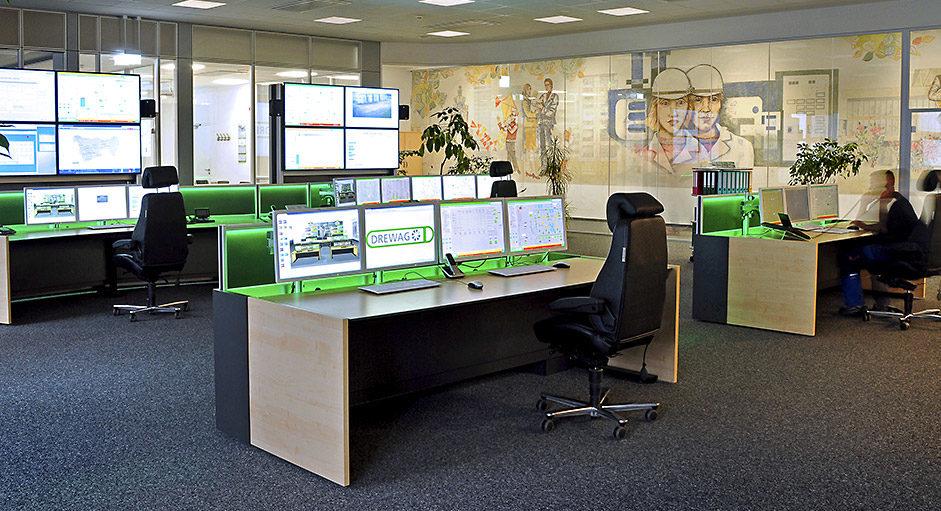 JST-Architektengerechte Planung. Technische Konzeption der Stadtwerke-Leitwarte