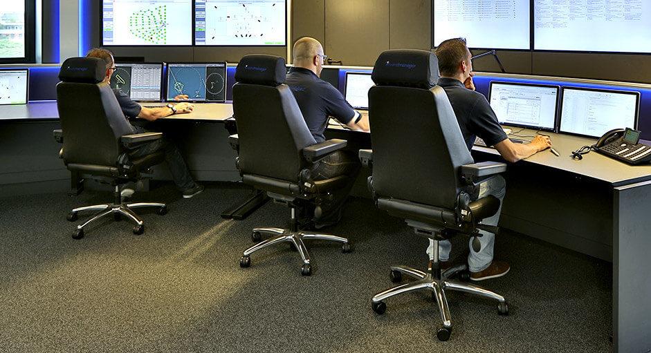 Der Recaro24-Operatorstuhl im Einsatz in einer Steuerungs-Leitwarte
