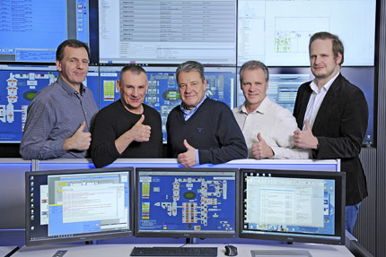 JST-Messe Berlin: Project managers express their satisfaction with their thumbs up