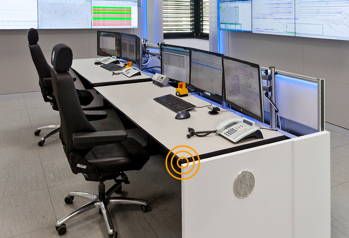 JST-Siemens-Wegberg. Control centre with large display wall and operator table StratosX11