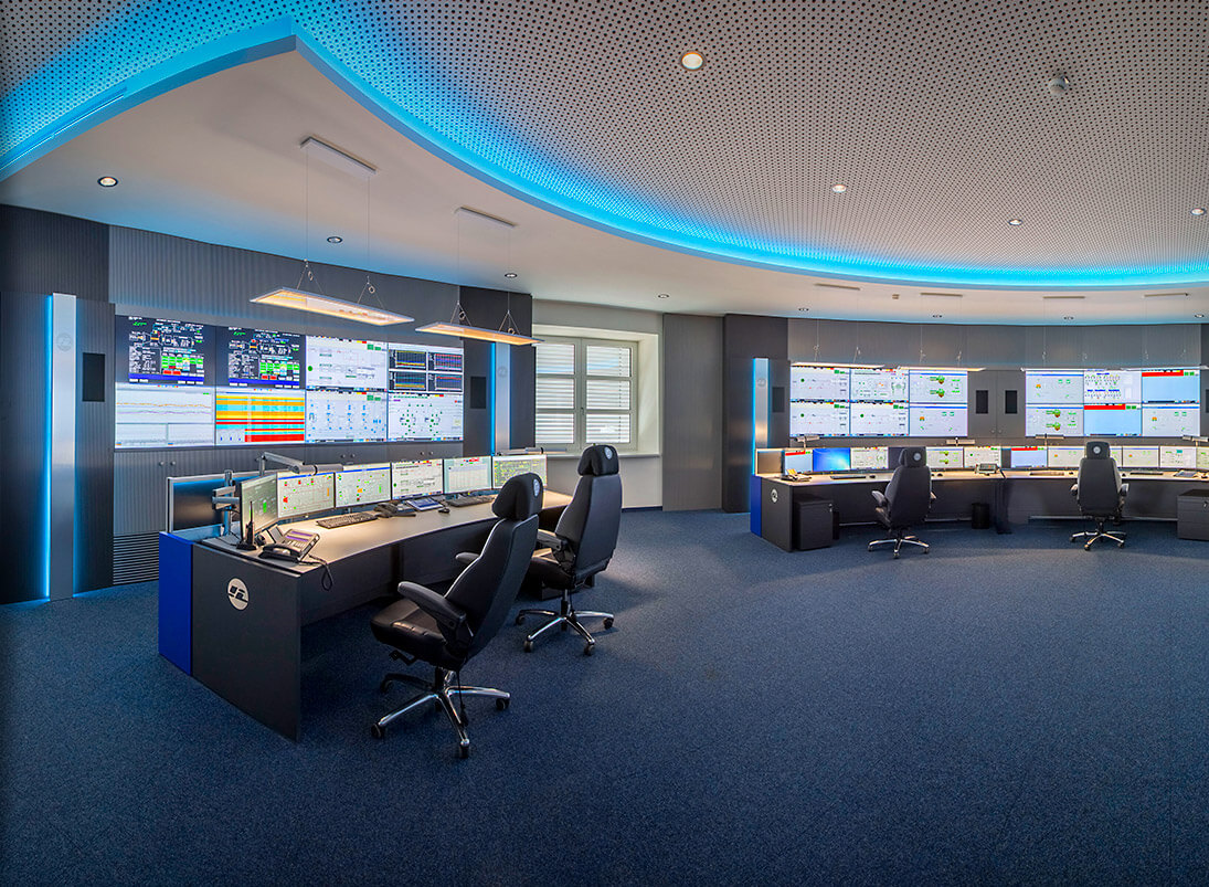 JST-Komponente Monitorwand: Großbildwand in der Prozessleitwarte InfraLeuna