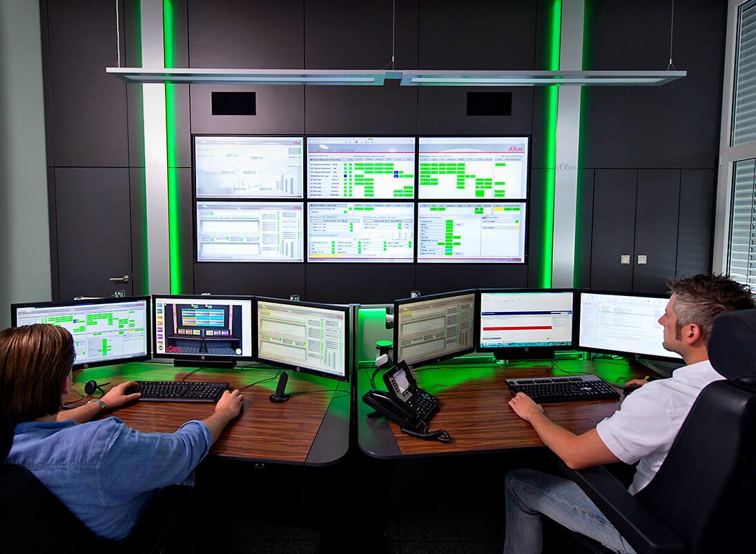JST-Komponente Monitorwand: Display Wall im modernen Leitstand von s.Oliver