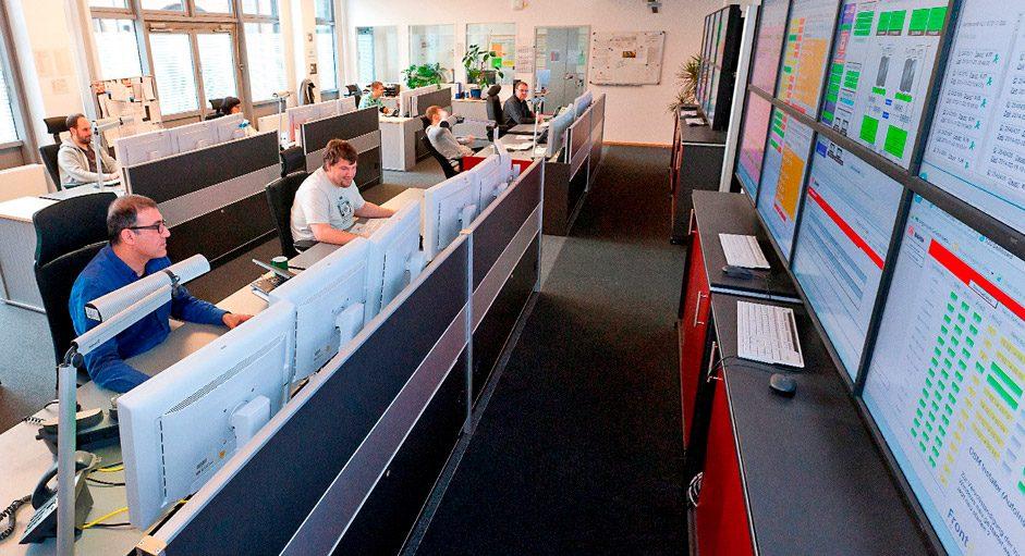 JST-Großbildsteuerung mit Grafikcontroller im Kontrollraum von DB-Systel
