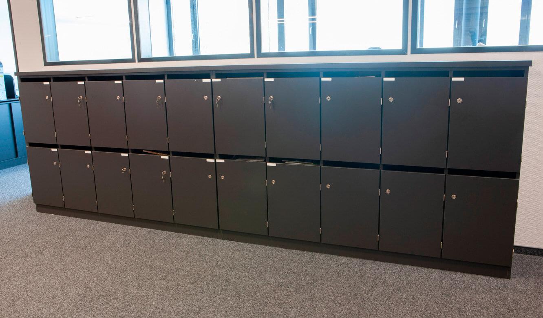 JST - ovag Netz GmbH - Netzleitstelle: abschliessbare Mitarbeiterschränke als Maßanfertigung