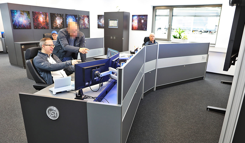 JST-Roche: moderne Leitwarten-Einrichtung