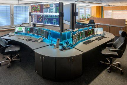 JST-Netze-Magdeburg: Leitstand mit zwei Operator-Desks