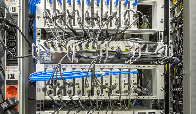 JST Netze Magdeburg: technsiche Installation zeigt Grabber mit PowerUnit