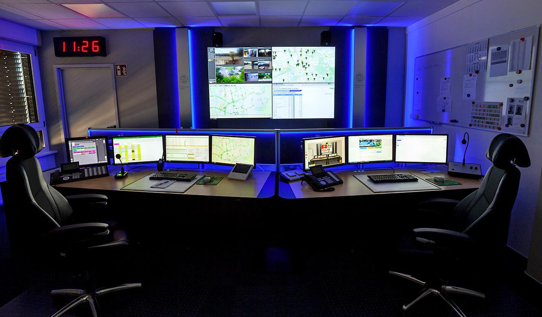 JST - Göttinger Verkehrsbetriebe: Leitwarten-Arbeitsplätze mit AlarmLight