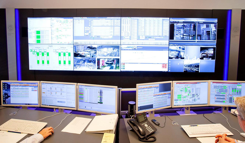 JST Volkswagen FIS-Leitstand: Monitorwand mit 24/7 Displays
