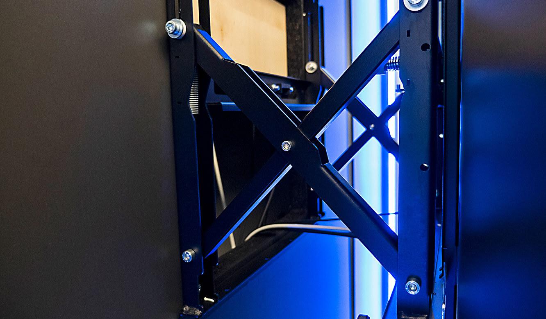 JST-IT.NRW: Scheren-Gelenke für Front-Access-System der Video-Wall