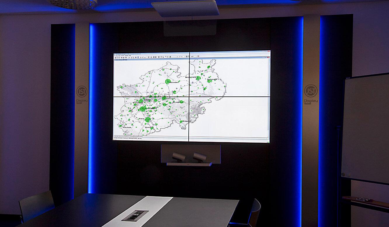JST-IT.NRW: Video-Wall im Konferenzraum