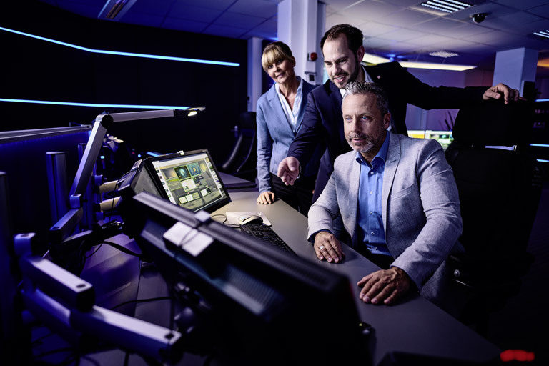 Workshop im Kontrollraum-Simulator von JST