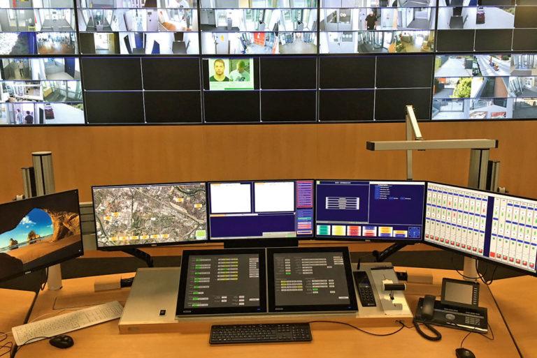 JST Magazin: HSC - Ein Blick auf den Arbeitsplatz und die Videowall