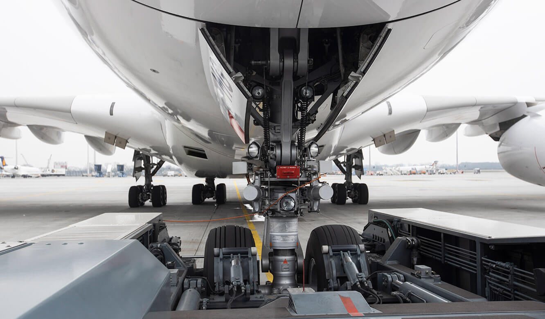JST Referenz Leitwarte EFM Flughafen München: Leitstelle überwacht Vorgänge auf dem Rollfeld