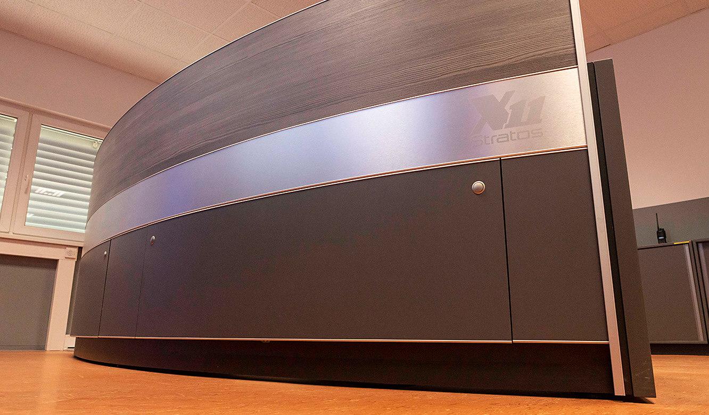 JST VA Erzberg: Leitstellentisch mit Platz für die Technik