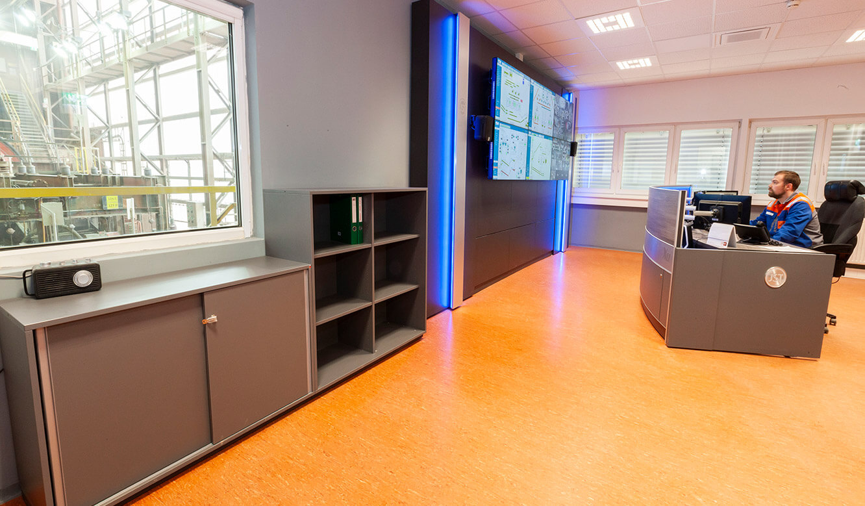 JST VA Erzberg: Spezialmöbel für Leitstelle, Leitwarte, Kontrollraum