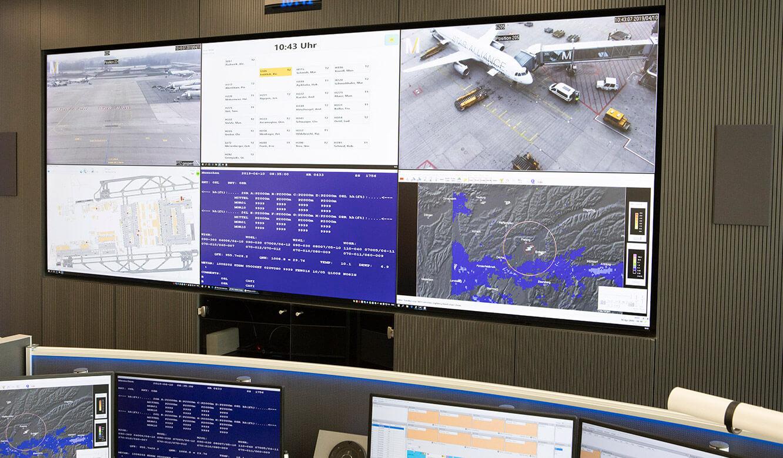 JST Referenz Leitwarte EFM Flughafen München: Großbildwand mit sechs 24/7-Displays