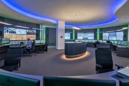 JST INGAVER: Neue Leitwarte in modernem Design