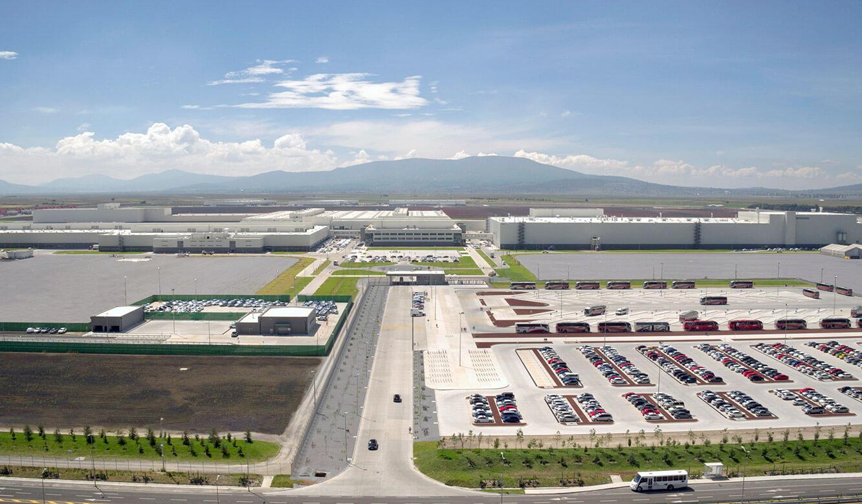 JST Audi Mexico: Luftaufnahme Werk mit modernstem Produktionsleitstand