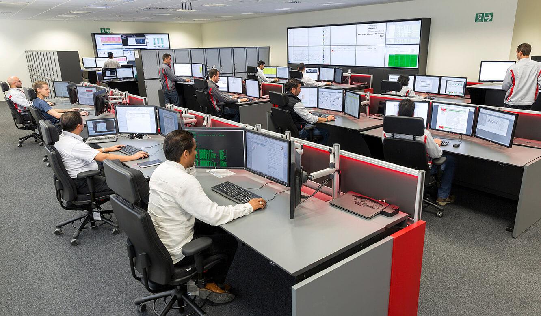 JST Audi Mexico: Kontrollraum mit Videowall und Operator-Arbeitsplatz