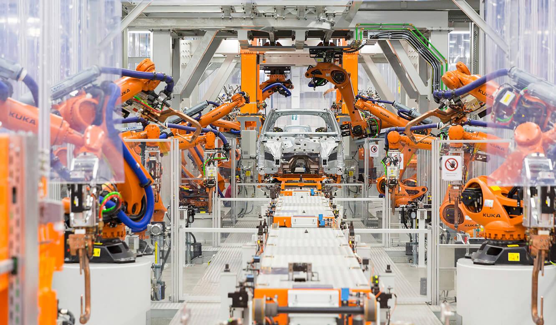 JST Audi Mexico: Fahrzeugproduktion wird durch Leitstand überwacht