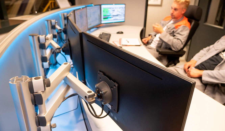 JST Salzgitter Flachstahl: 3D-Gelenkarm für Anbringung Monitor Arbeitsplatzdisplay