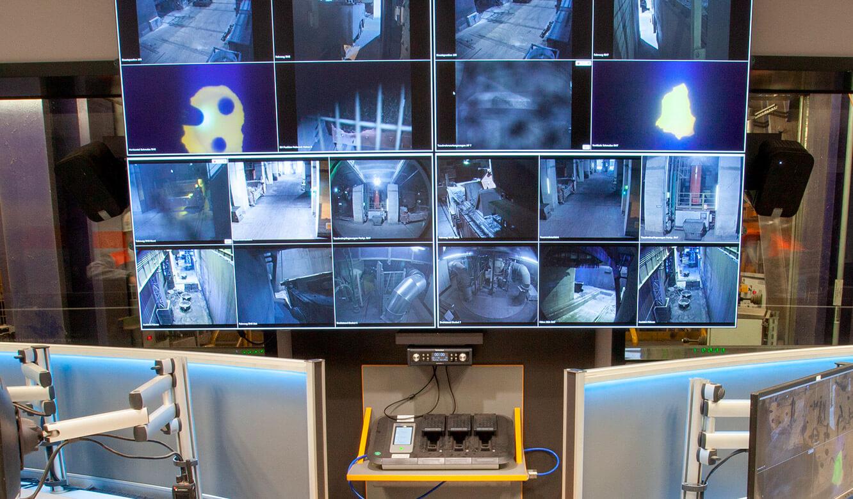JST Salzgitter Flachstahl: Sicherheitsrelevante Bilder auf der Videowall