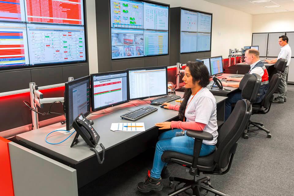 JST Aktuelles: Referenz Kontrollraum Audi Mexico