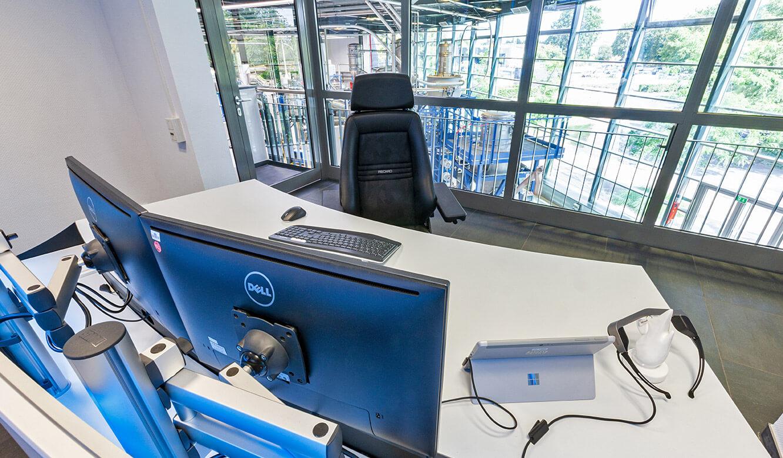 JST Probat-Werke Leitwarte Produktion-Showroom: moderner Leitstellen-Arbeitsplatz