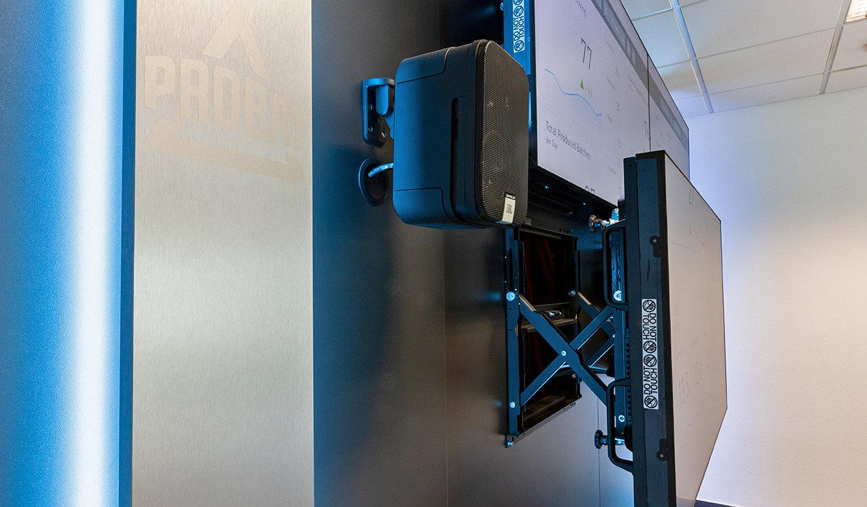 JST Probat-Werke Leitwarte Produktion-Showroom: Service von Displays der Großbildwand ohne Betriebsunterbrechung