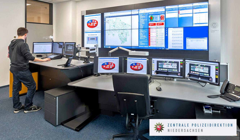 JST Monitorwand Großbildwand im Leitstand Autorisierte Stelle Digitalfunk Niedersachsen