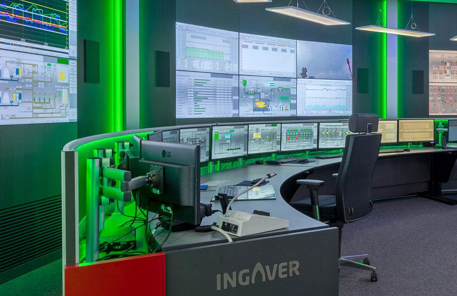 JST Alarmlight an der Großbildwand . Operator-Arbeitsplätze