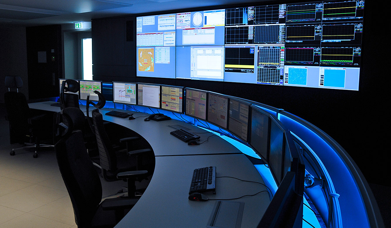 Videowall and Videoscreen in the control room of JST Jungmann
