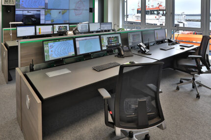 JST reference Iberdrola Sassnitz: Wind energy control centre - operator workstations in front of the big display screen - complete solution from one source