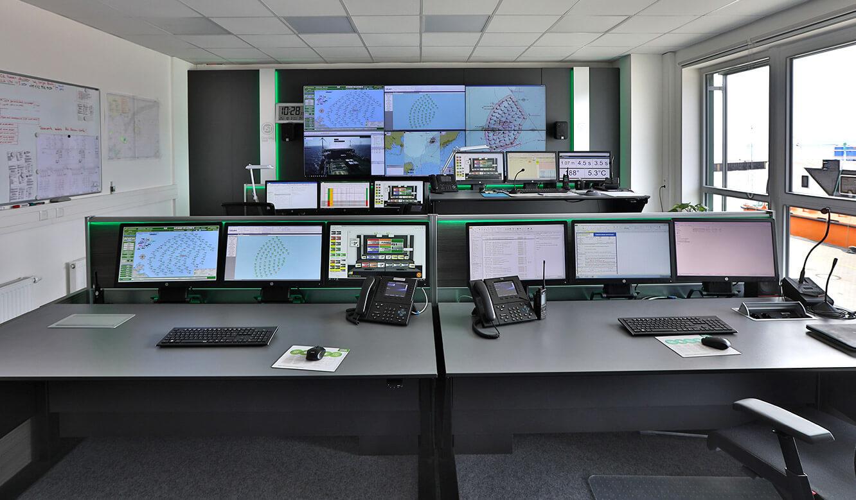 JST reference Iberdrola Sassnitz: Wind energy control centre - control desks meet ergonomic requirements