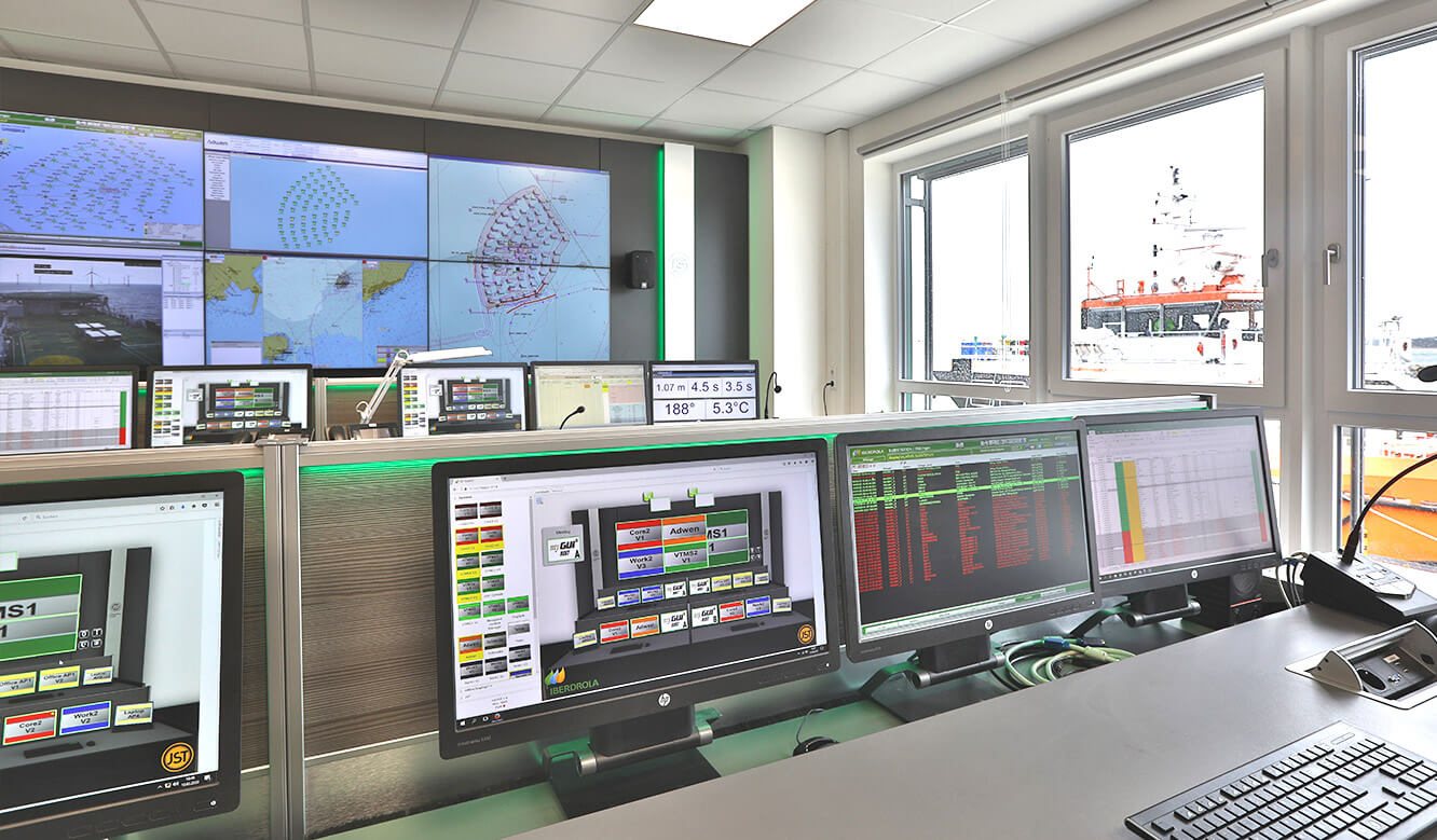 JST reference Iberdrola Sassnitz: Wind energy control centre - reduced screens for improved ergonomics at operator workstations