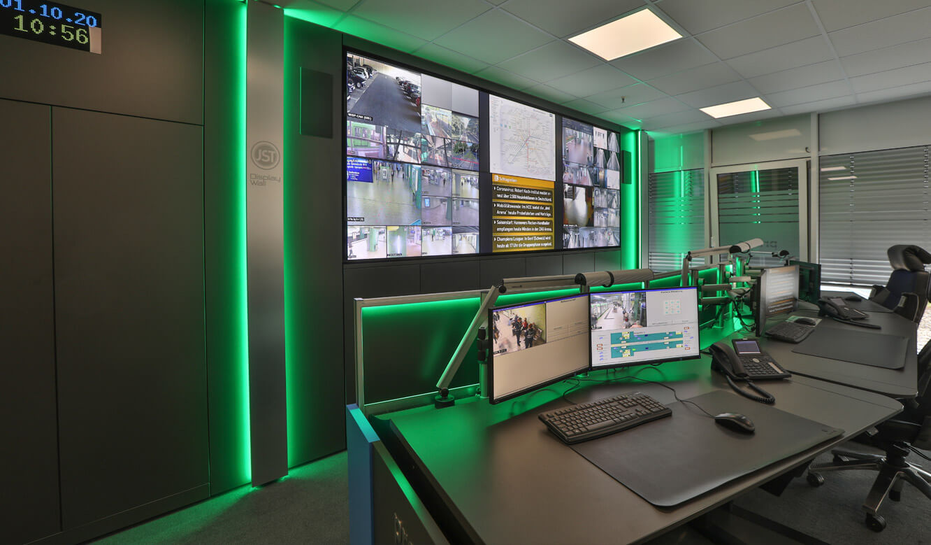 JST Referenz protec service GmbH - modern IT solution mission control center - video wall with integrated AlarmLight for proactive monitoring