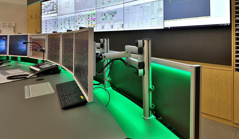 JST Referenz Energieversorger Gassco Emden Erdgas-Messwarte - indirekte Beleuchtung im Kontrollraum